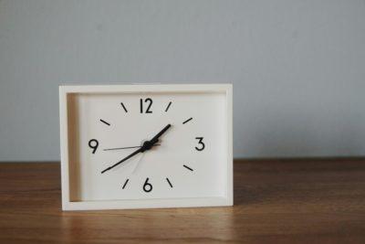 我が家には時計がない。腕時計かスマートフォンを時計代わりにしていたけれど、朝の出発時刻を正確に把握しようとする上で、時間がすぐに確認できない状態はストレスで  ...