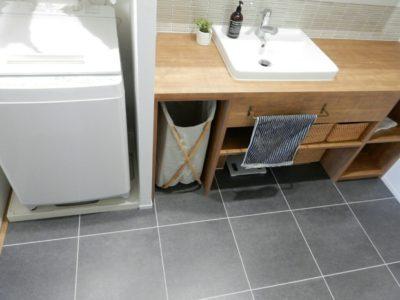 洗面所のフロアタイル
