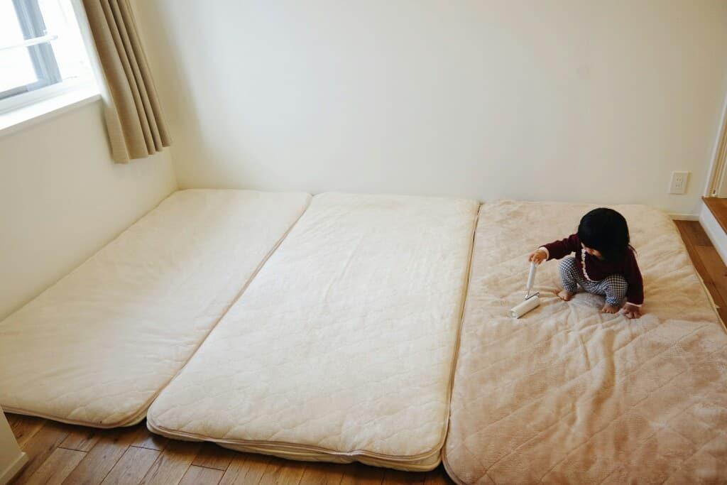 寝室インテリア6畳に布団を3枚敷いて子供と一緒に寝るweb内覧会